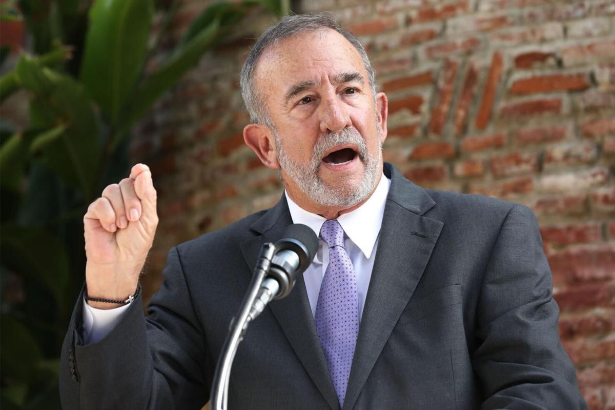 Manuel Cidre, secretario del Departamento de Desarrollo Económico y Comercio.